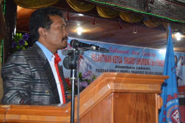 Swardy Sihombing Ketua DPC F.SPTSI-K.SPSI Taput memberikan kata sambutan